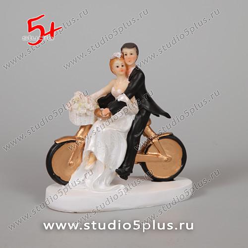 Фигурки жених и невеста на торт