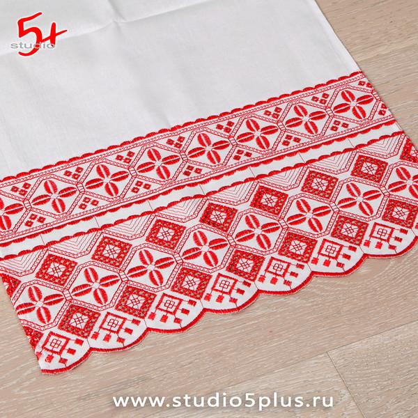 Венчальный рушник с красной вышивкой