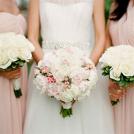 Свадебный букет невесты круглый