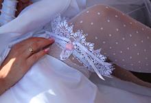 Что такое свадебная подвязка и зачем она нужна.