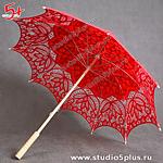 красный свадебный зонтик